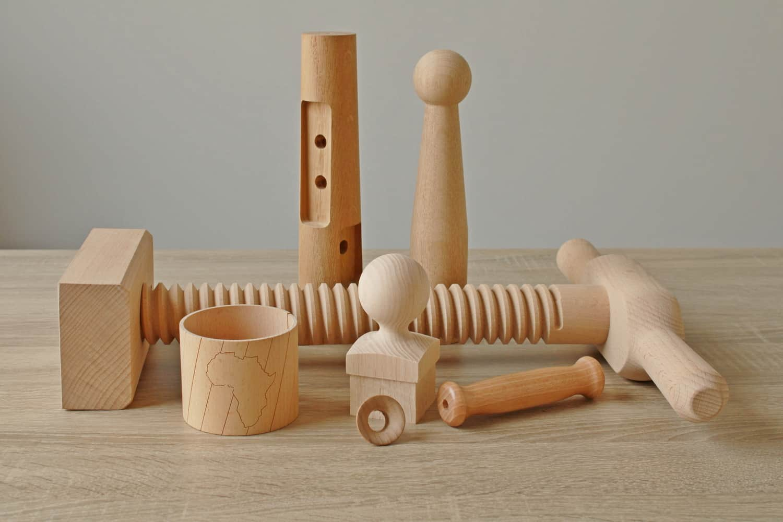 razni izdelki iz lesa CNC